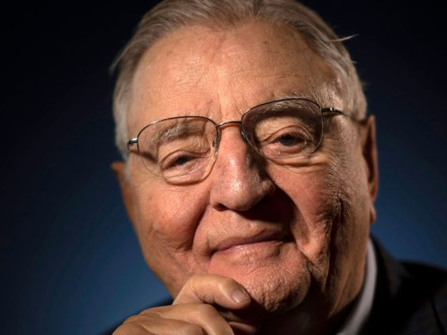 Walter Mondale, Jimmy Carter's Vice President, Dead at 93