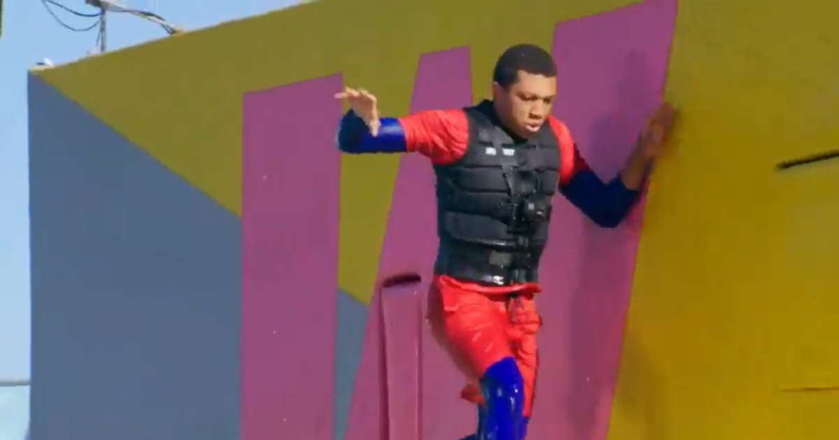 Wipeout contestant gets smacked by wall exclusive clip