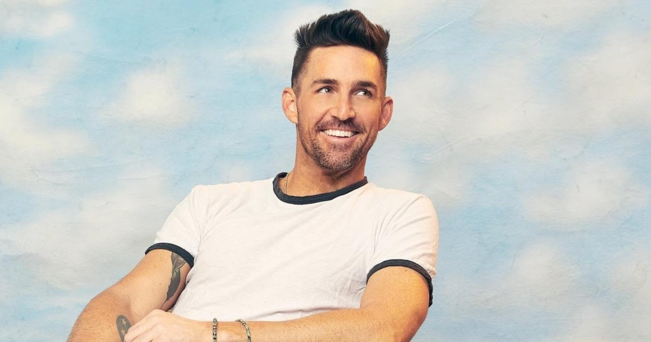 Jake Owen Tops the Charts With 'Made for You'.jpg
