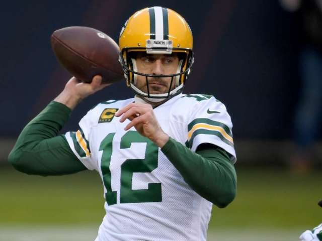 Aaron Rodgers: The 1 Trade Packers Can Make to Keep Quarterback in Green Bay