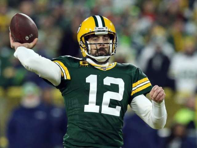 Aaron Rodgers Spotted Singing and Dancing in Hawaii Before Skipping Packers Workout