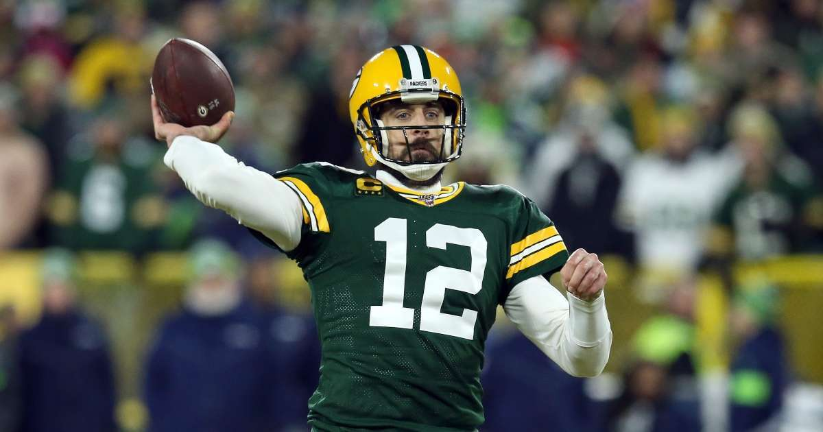 Aaron Rodgers signing dancing Hawaii skipping Packers workout