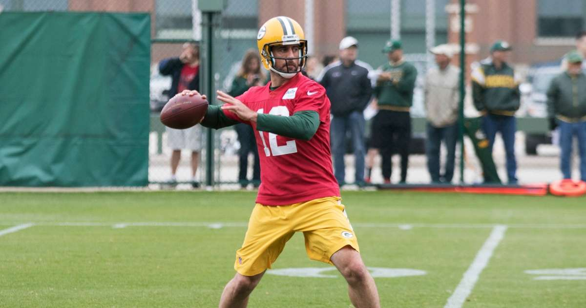 Aaron Rodgers skips packers workout amid team drama