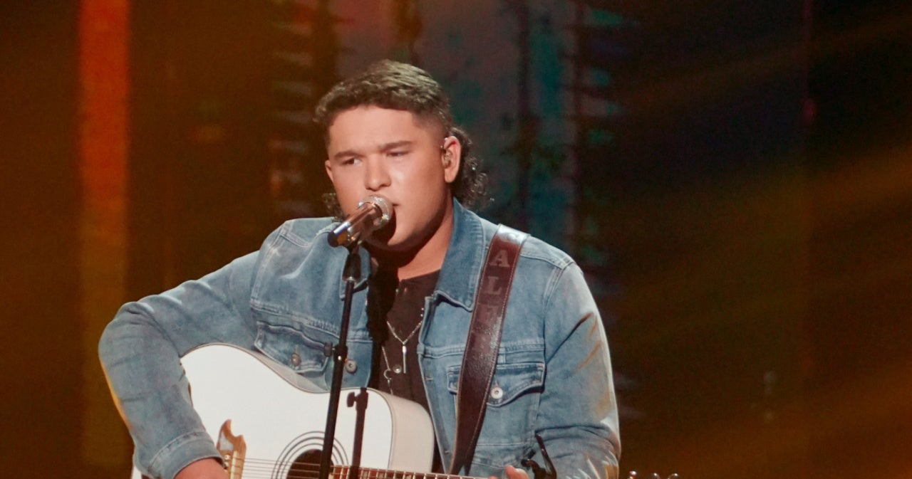'American Idol' Singer's Mom Claims KKK Hood Video Wasn't as It Seems.jpg