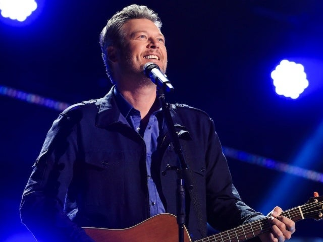 Blake Shelton Bringing Back Friends and Heroes Tour for 2021