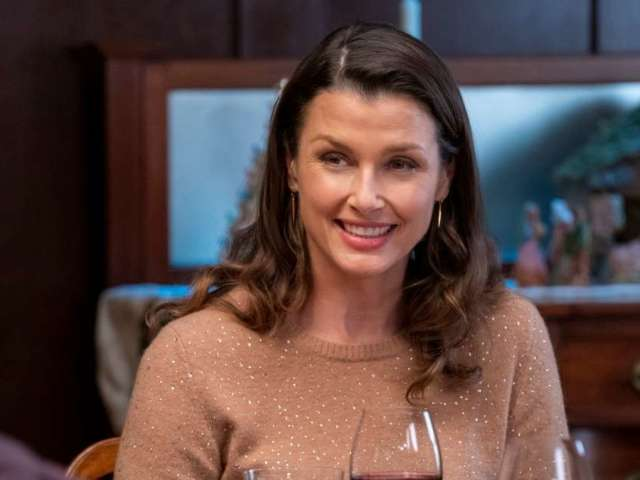 'Blue Bloods' Star Bridget Moynahan Has Perfect Reaction to Encountering 'Shirtless Tom Brady' in Book