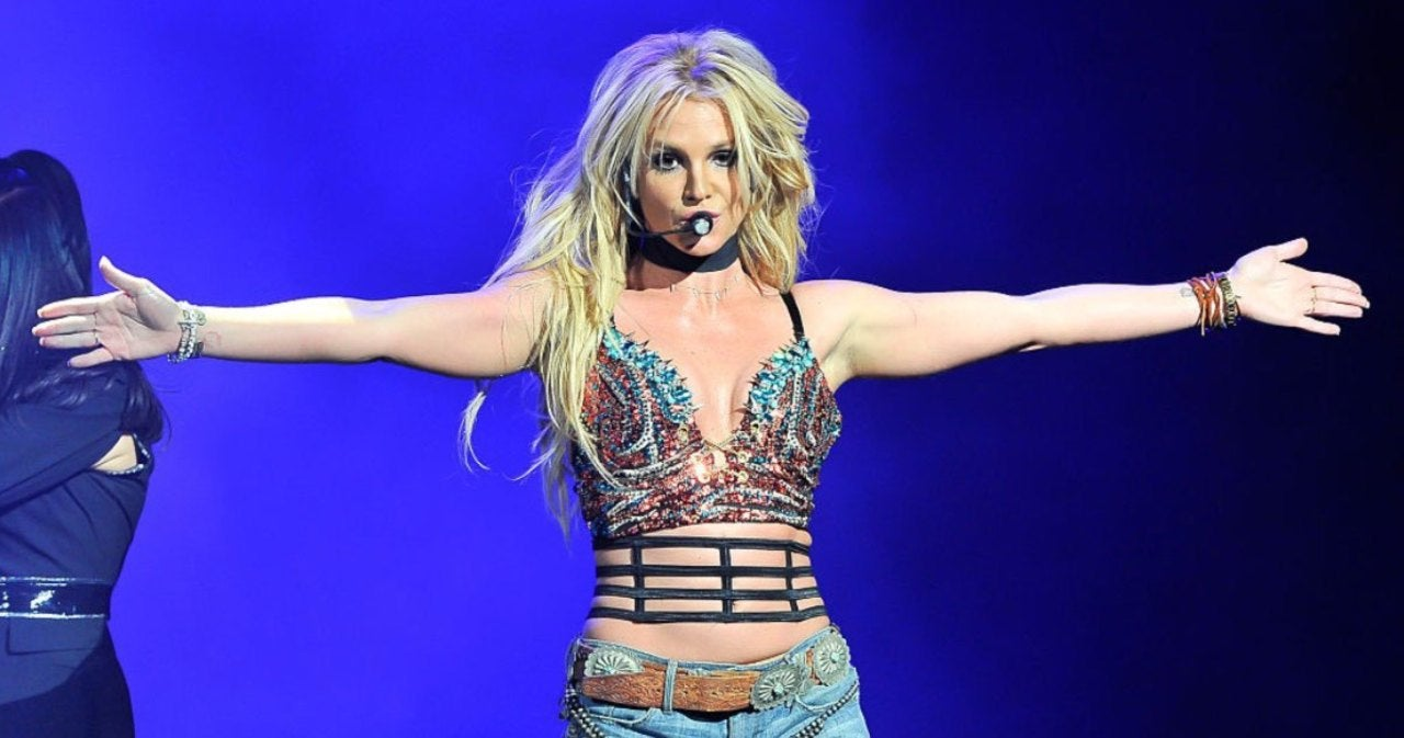 Britney Spears Unveils New Hair Color in Sultry Dancing Videos.jpg