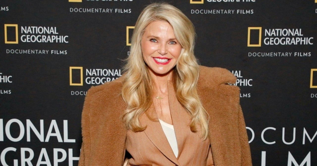 Christie Brinkley Reveals 'Depressing' Hip Replacement Surgery One Year Since Aborted 'DWTS' Turn.jpg