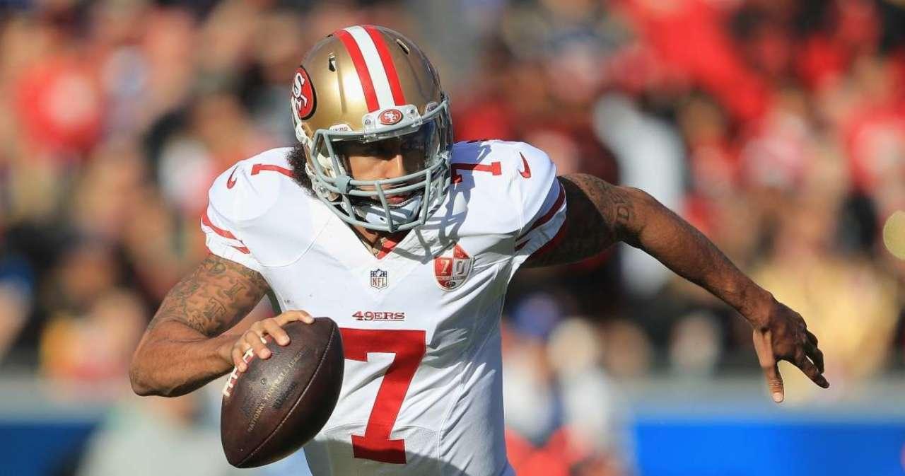 Colin Kaepernick Deserves NFL Opportunity, Kurt Warner Says.jpg