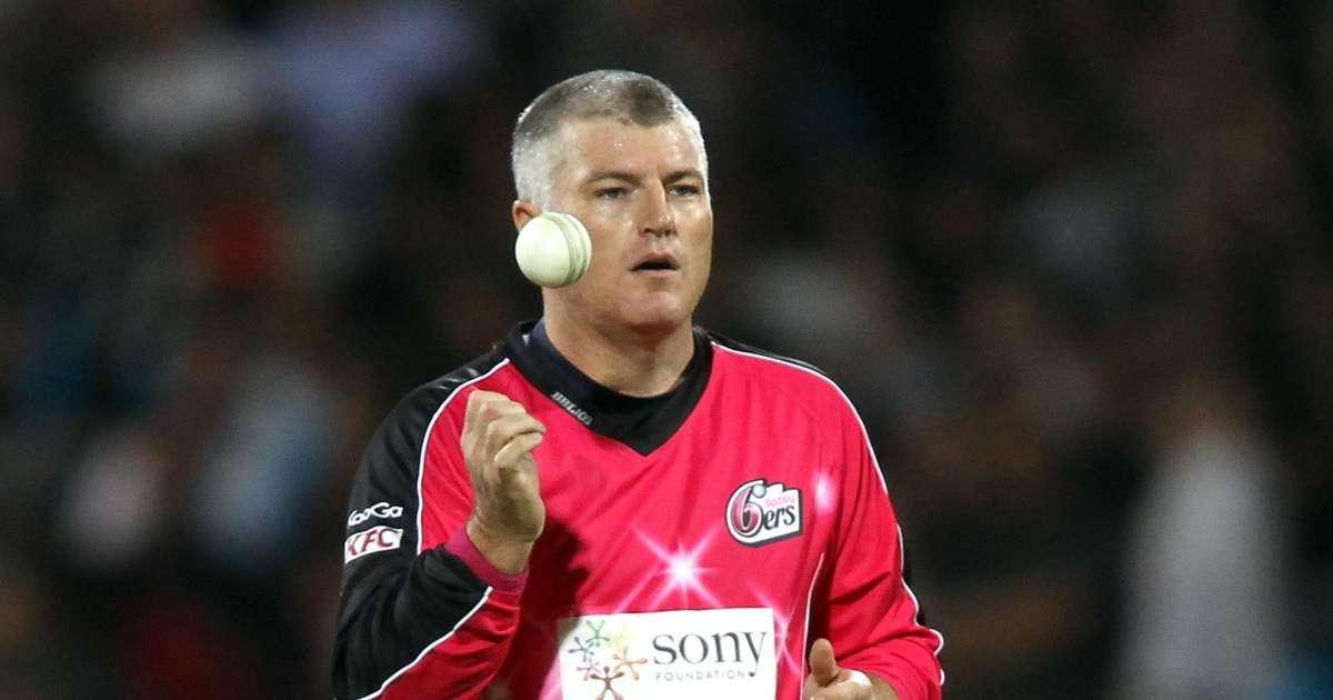 Cricket Player Stuart MacGill kidnapped assaulted gunpoint
