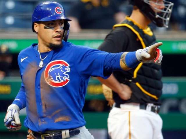 Cubs' Javier Baez Makes One of the Craziest Plays in MLB History