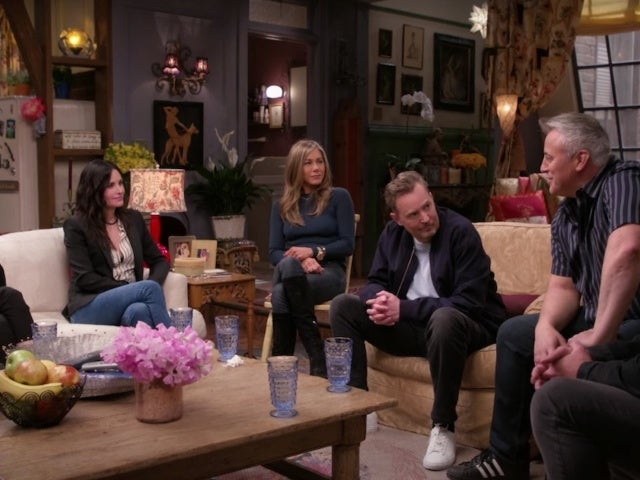 Lisa Kudrow Recalls Sweet 'Friends' Reunion Moment You May Have Missed