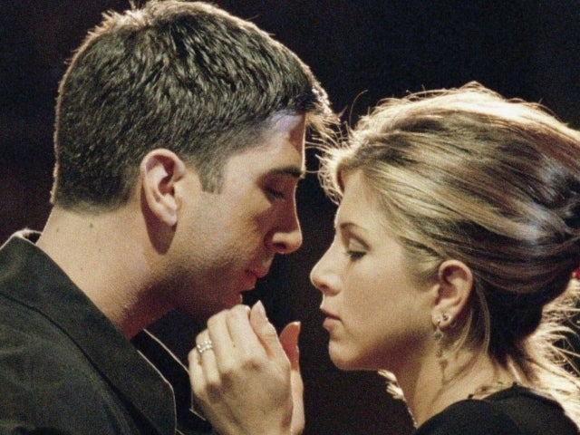 'Friends' Reunion: Jennifer Aniston and David Schwimmer Admit to Off-Screen Chemistry, Crushes