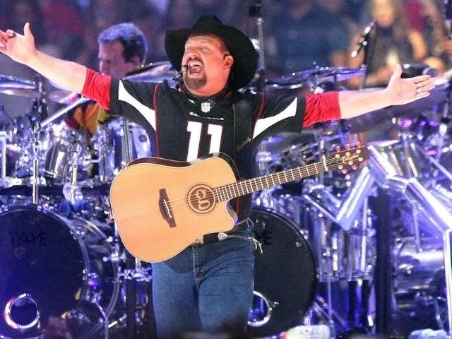Garth Brooks Sets Nebraska Stadium Tour Date