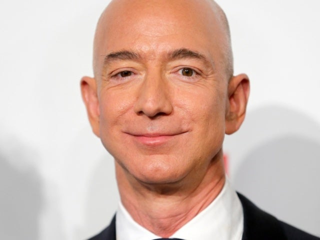 Jeff Bezos Announces Date He Will Step Down as Amazon CEO