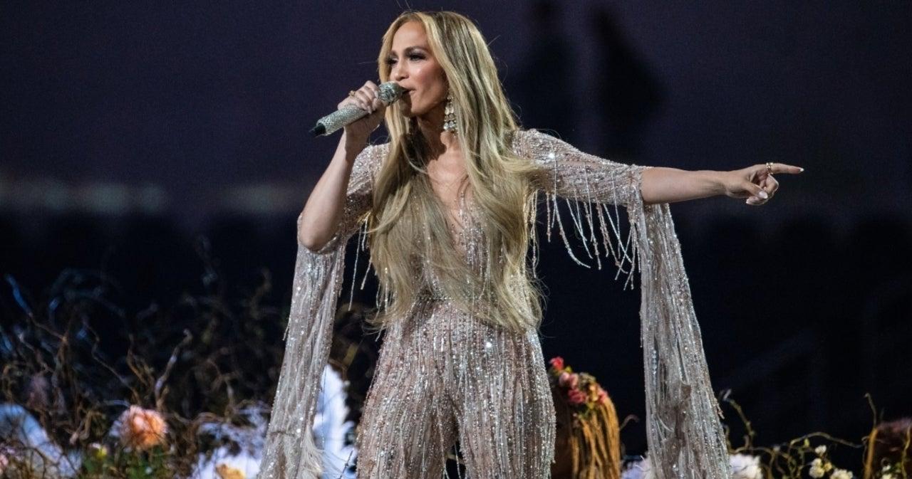Jennifer Lopez Is 'Fantastic' Following Alex Rodriguez Breakup According to Co-Star.jpg