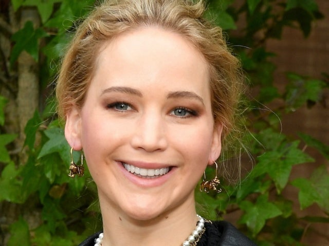 Listen to a Shocked Jennifer Lawrence Discover on Air That Jennifer Lopez and Ben Affleck Are Back Together