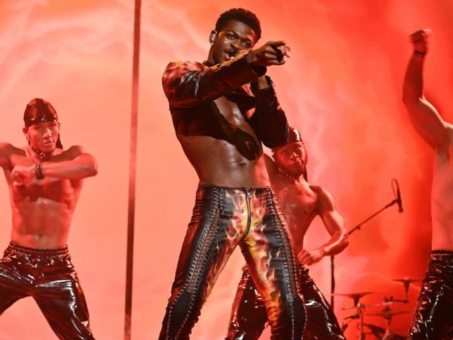 Lil Nas X Hilariously Recounts NSFW Wardrobe Malfunction on 'SNL'