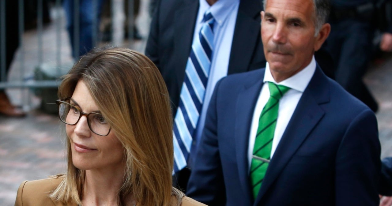 Lori Loughlin and Husband Mossimo Giannulli Beg Judge for Travel Permission After Prison Release.jpg