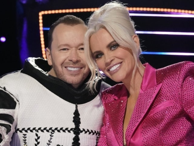 Donnie Wahlberg Jokes With Wife Jenny McCarthy After She Couldn't Recognize Him on 'The Masked Singer'