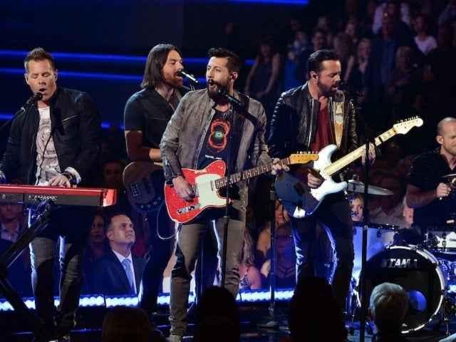 Old Dominion Sets The Band Behind the Curtain Tour for 2021