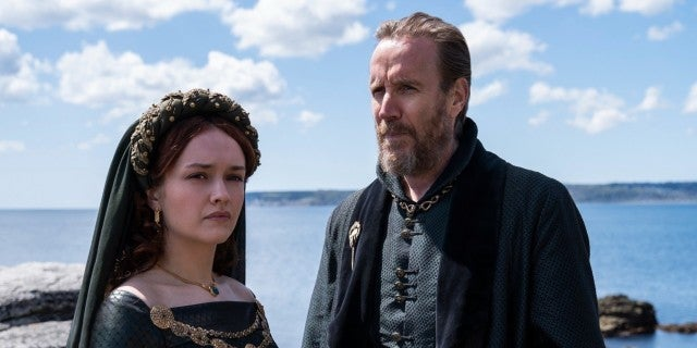 olivia-cooke-rhys-ifans-house-of-the-dragon-hbo