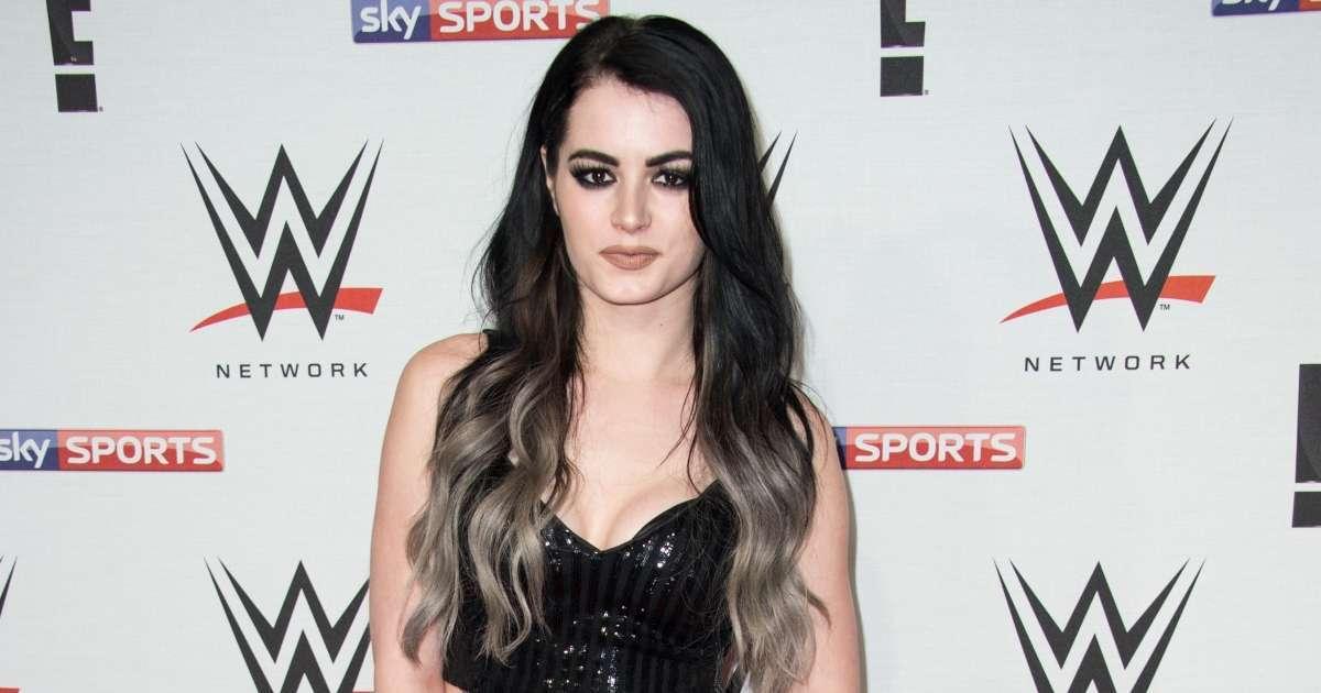 Paige trolls WWE fans plastic surgery photo