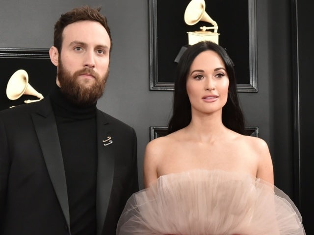 Kacey Musgraves Fires Direct Salvo at Ex Ruston Kelly With Sultry Leggy Photo