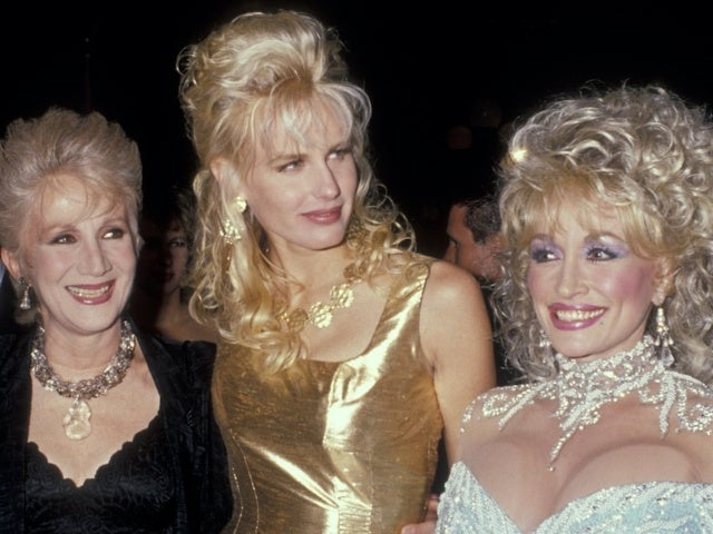 Dolly Parton Remembers Late 'Steel Magnolias' Co-Star Olympia Dukakis