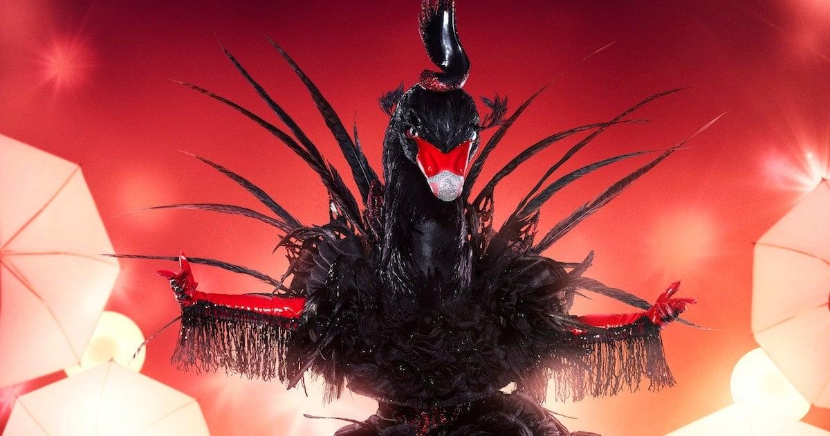 the-masked-singer-black-swan-jojo
