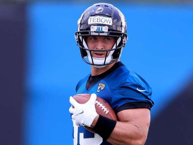 Tim Tebow Has Impressive Performance at Tight End During Jaguars' First Practice