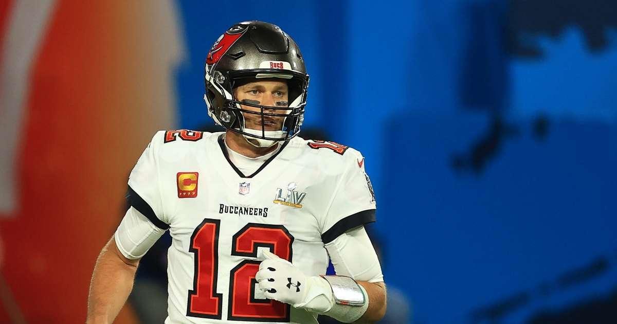 Tom Brady opens up pretty serious offseason knee surgery
