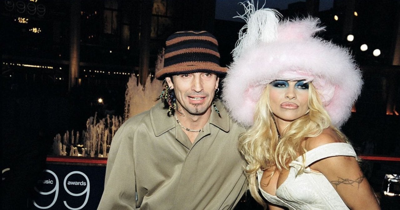 Sebastian Stan and Lily James Transform into Tommy Lee and Pamela Anderson in New Photos.jpg