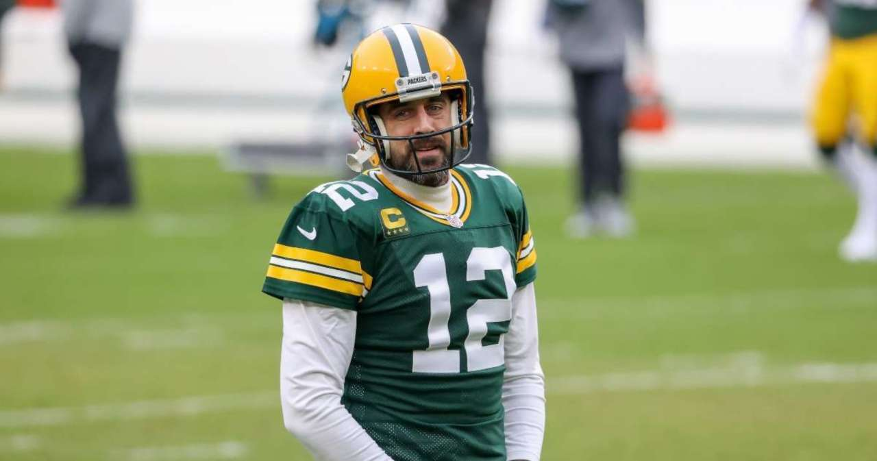 Aaron Rodgers Details His Offseason While Wearing an Interesting T-Shirt.jpg