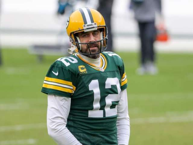 Aaron Rodgers Details His Offseason While Wearing an Interesting T-Shirt