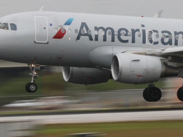 American Airlines Forced to Cancel Hundreds of Flights This Weekend, Will Continue Into July
