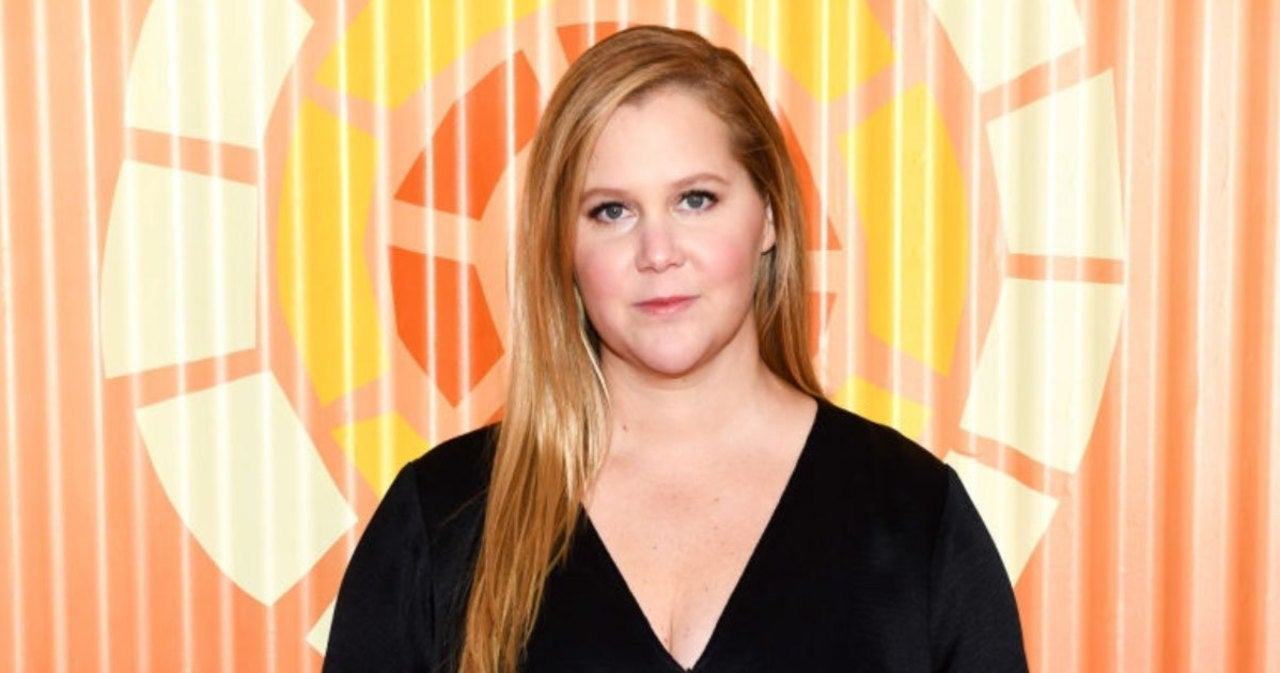 Amy Schumer Reacts After Her 'Doppelganger Photo' Goes Viral in a Tennessee Truck Stop.jpg