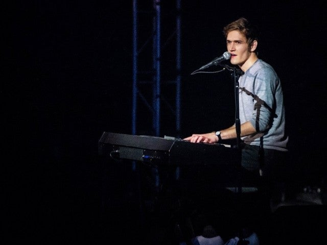 Bo Burnham's Netflix Special 'Inside' Dared Us All to Google 'Derealization,' Here's What We Found
