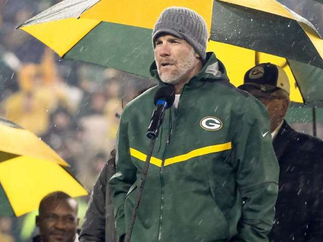 Brett Favre Reacts to Aaron Rodgers Missing Minicamp and Packers' Quarterback Situation
