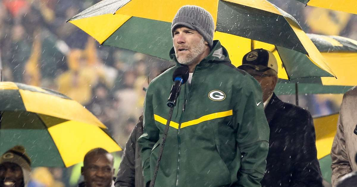 Brett Favre reacts Aaron Rodgers missing minicamp Packers quarterback situation