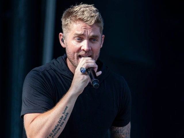 Brett Young Announces Upcoming The Weekends Tour