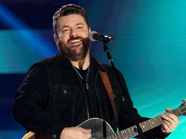 One of Chris Young's Friends Didn't Like His Song 'Famous Friends'