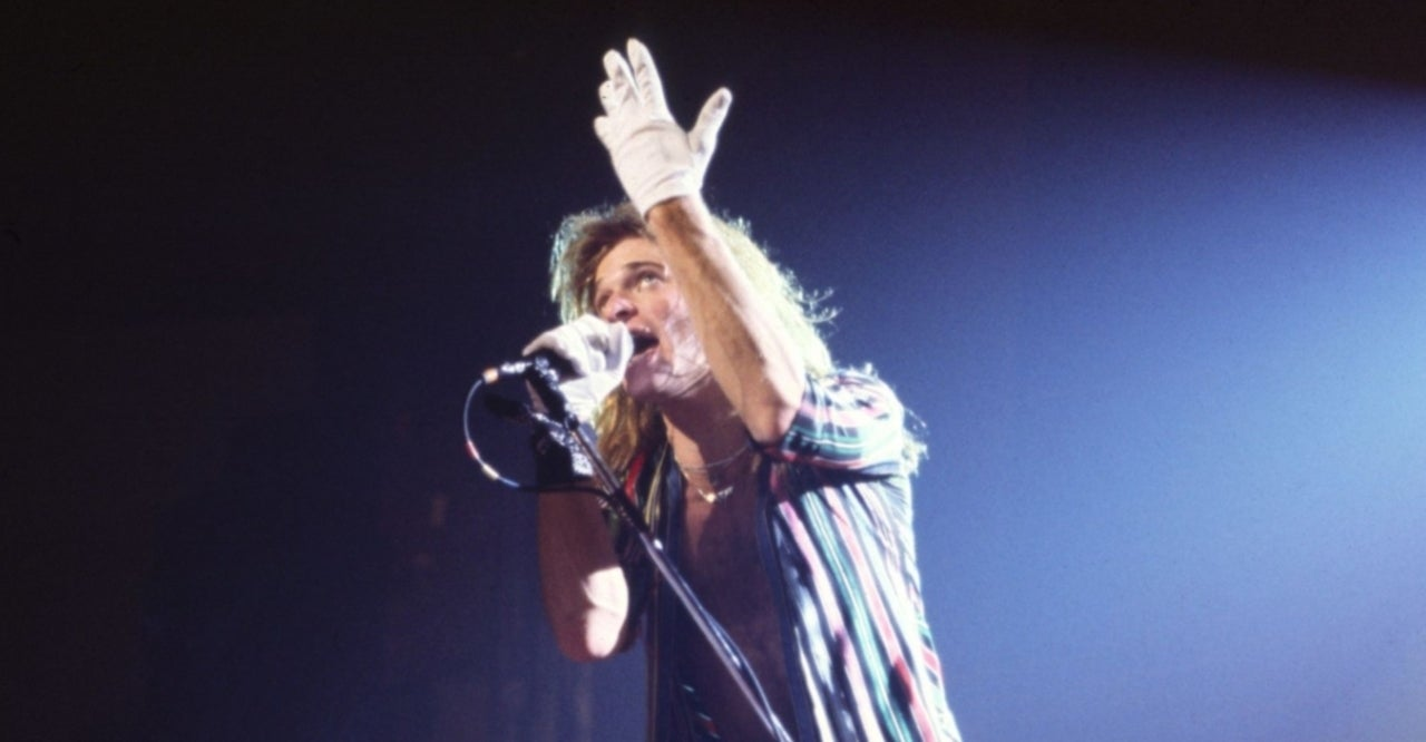 David Lee Roth's Guitarist Gives Major Update After 'Scary Health Issues'.jpg