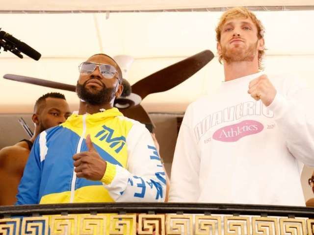 Floyd Mayweather Exhausts Logan Paul in Boxing Match That Leaves Fans Cold