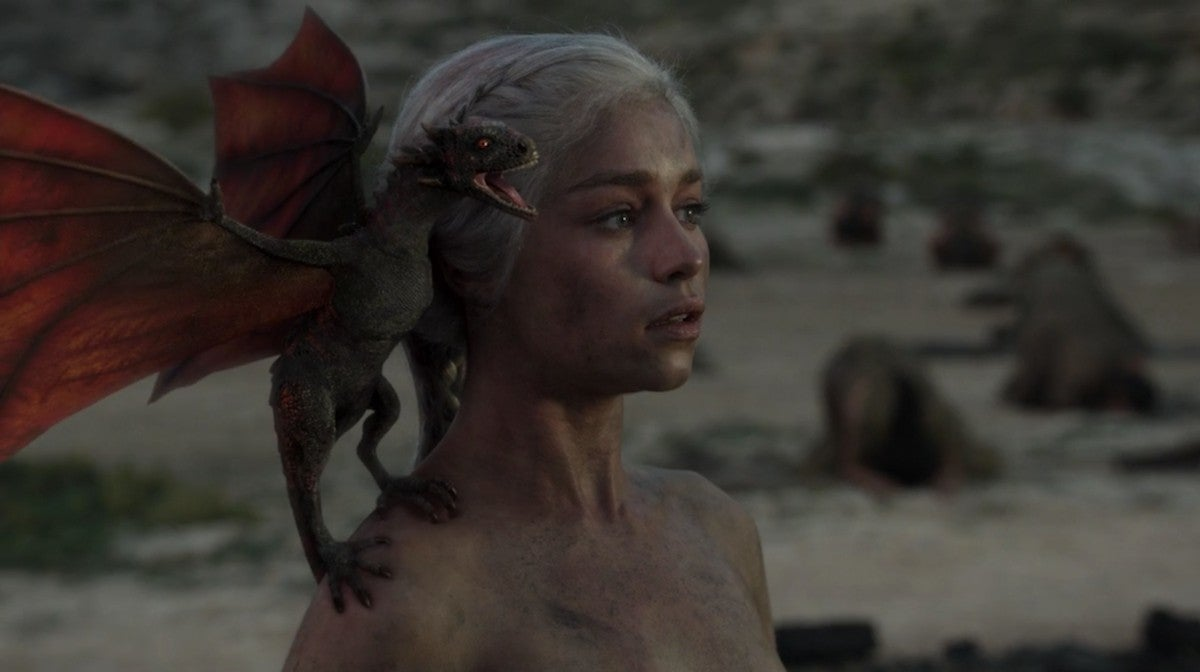 game-of-thrones-season-1-finale-dragons-emilia-clarke-daenerys-targaryen-3