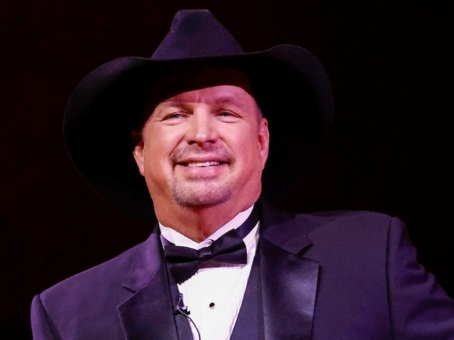 Garth Brooks Gets Emotional During Kennedy Center Honors Tribute