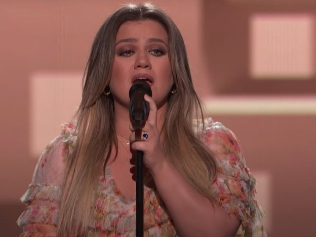 Watch Kelly Clarkson's Performance of Garth Brooks' 'The Dance' During the Kennedy Center Honors