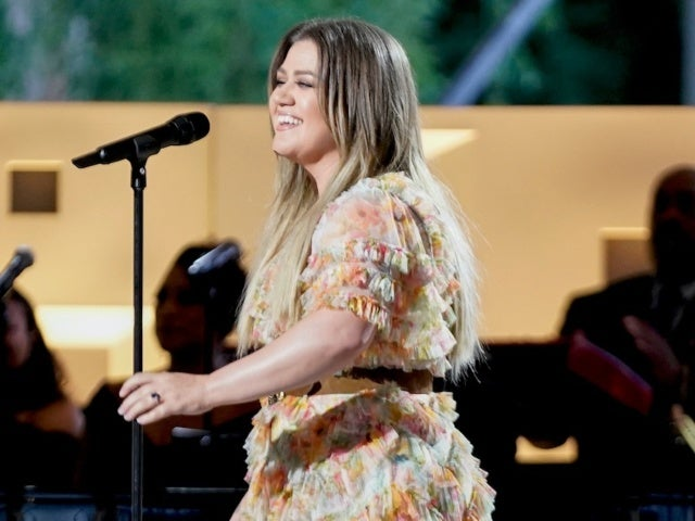 Kelly Clarkson Admits She Was Nervous While Singing Garth Brooks' 'The Dance' at Kennedy Center Honors