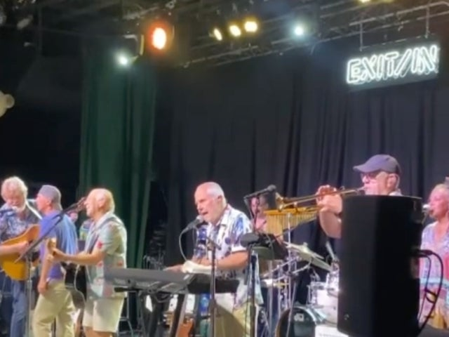Kenny Chesney Joins Jimmy Buffett on Stage During Nashville Show