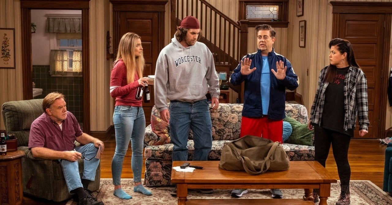 'Kevin Can F**K Himself' Star Eric Petersen Reveals One Laugh Track Is Authentic in the Series (Exclusive).jpg